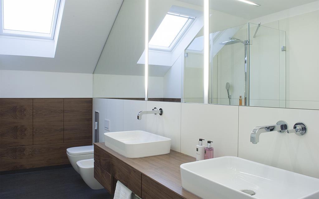 baden unterm dach 1. Black Bedroom Furniture Sets. Home Design Ideas